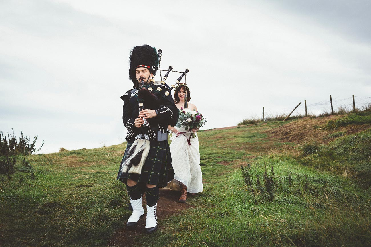 dunnottar castle elopement wedding photographer scotland scottish highlands abderdeenshire aj 0009