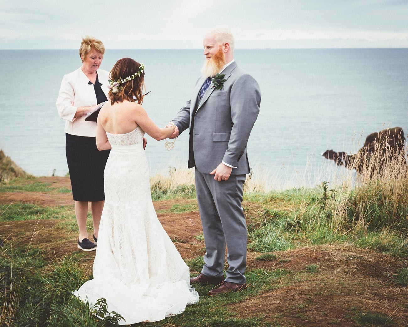 dunnottar castle elopement wedding photographer scotland scottish highlands abderdeenshire aj 0016