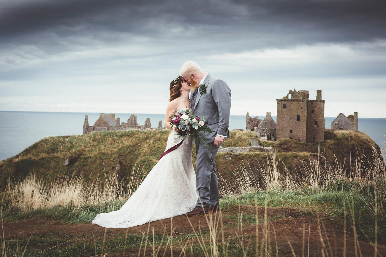dunnottar castle elopement wedding photographer scotland scottish highlands abderdeenshire aj 0020