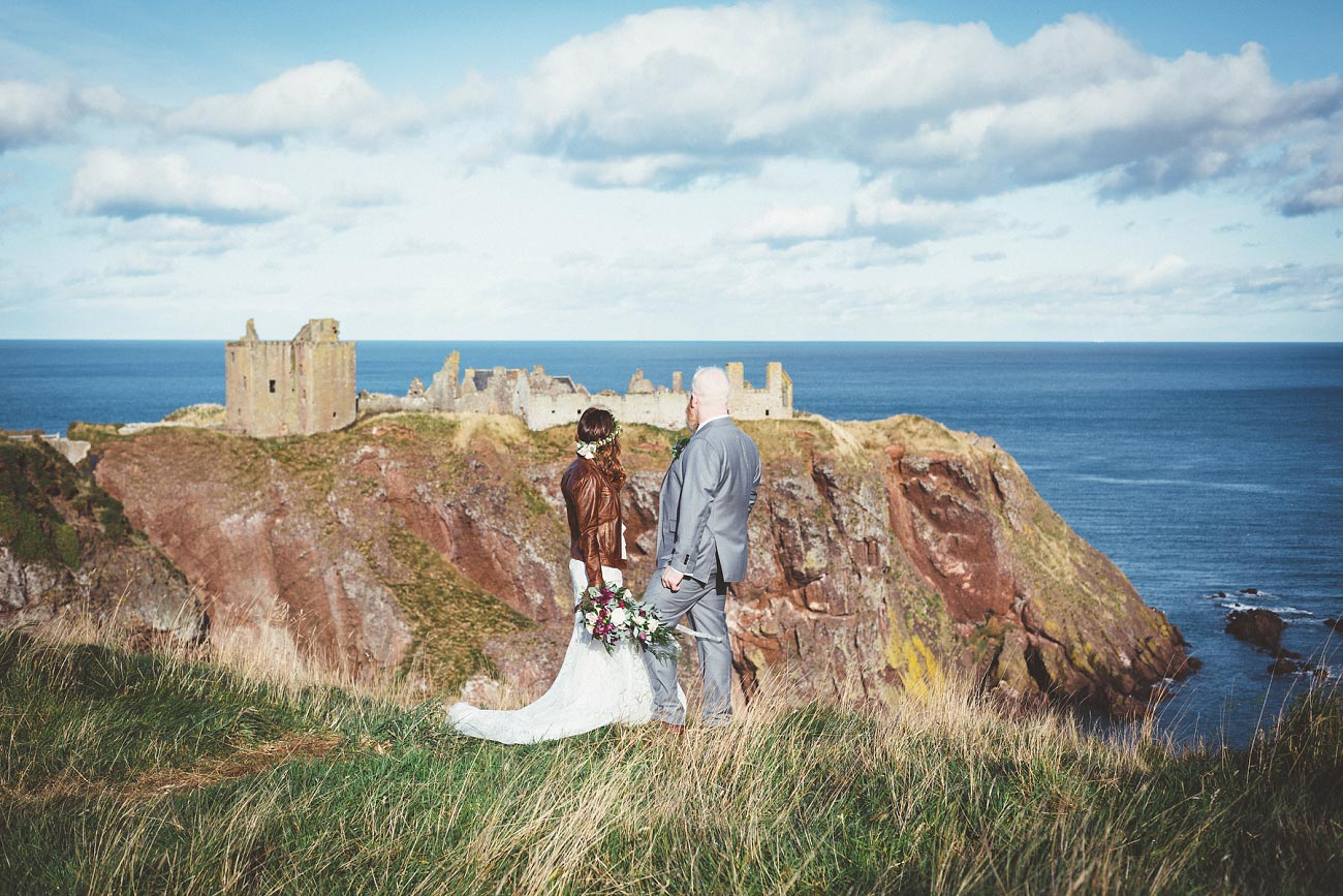 dunnottar castle elopement wedding photographer scotland scottish highlands abderdeenshire aj 0039