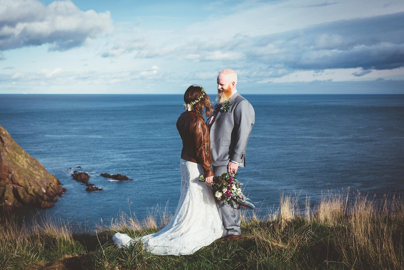 dunnottar castle elopement wedding photographer scotland scottish highlands abderdeenshire aj 0040