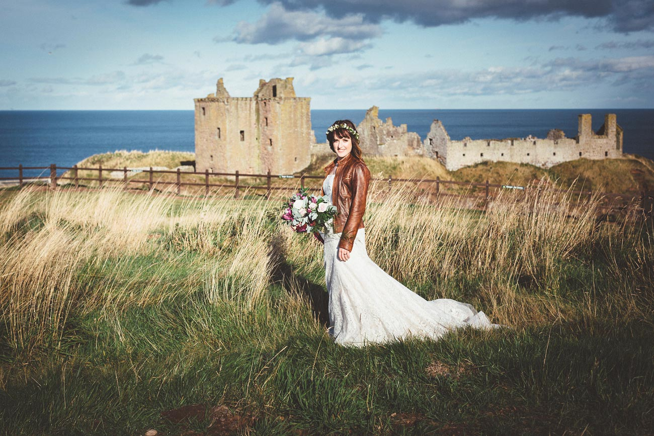 dunnottar castle elopement wedding photographer scotland scottish highlands abderdeenshire aj 0042