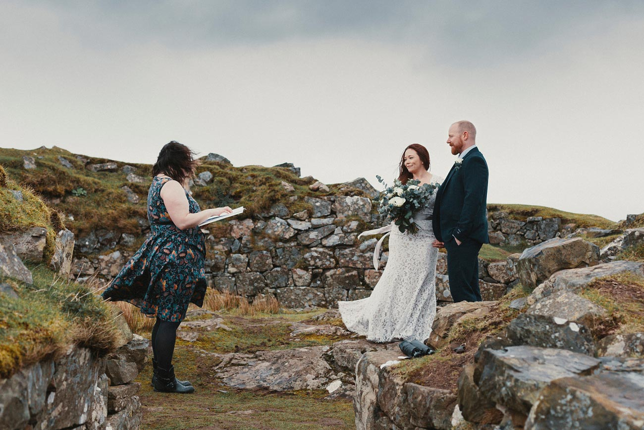 elopement wedding photographer isle of skye scottish highlands scotland 0004