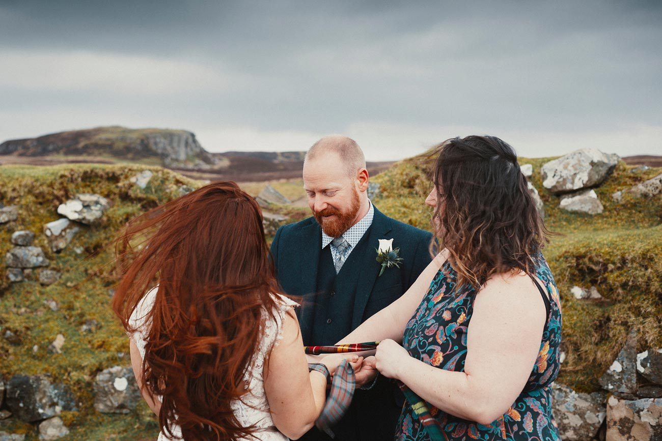 elopement wedding photographer isle of skye scottish highlands scotland 0005