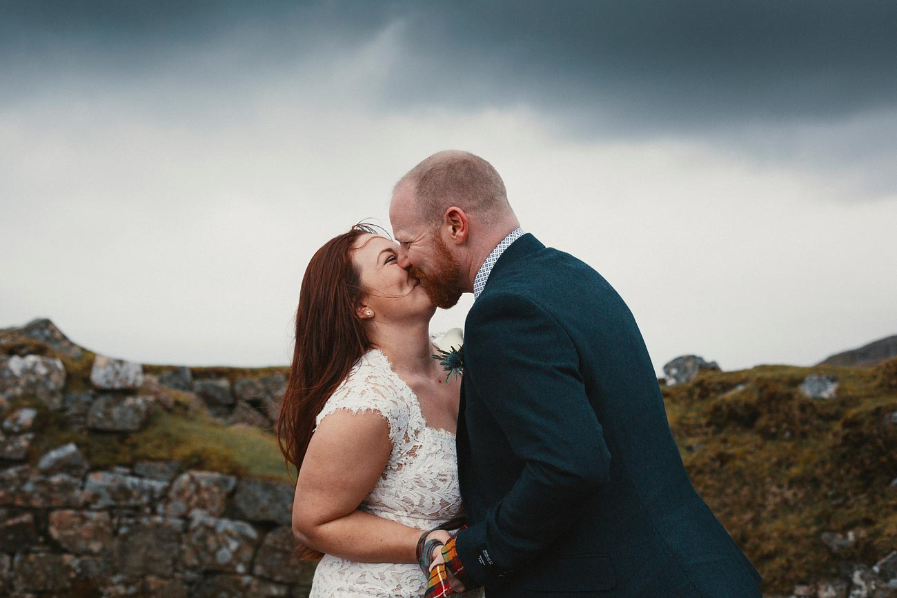 elopement wedding photographer isle of skye scottish highlands scotland 0011
