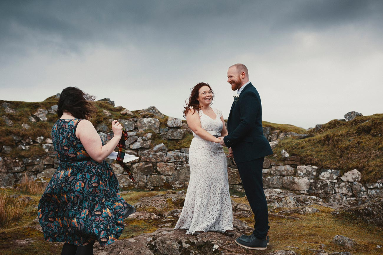 elopement wedding photographer isle of skye scottish highlands scotland 0014