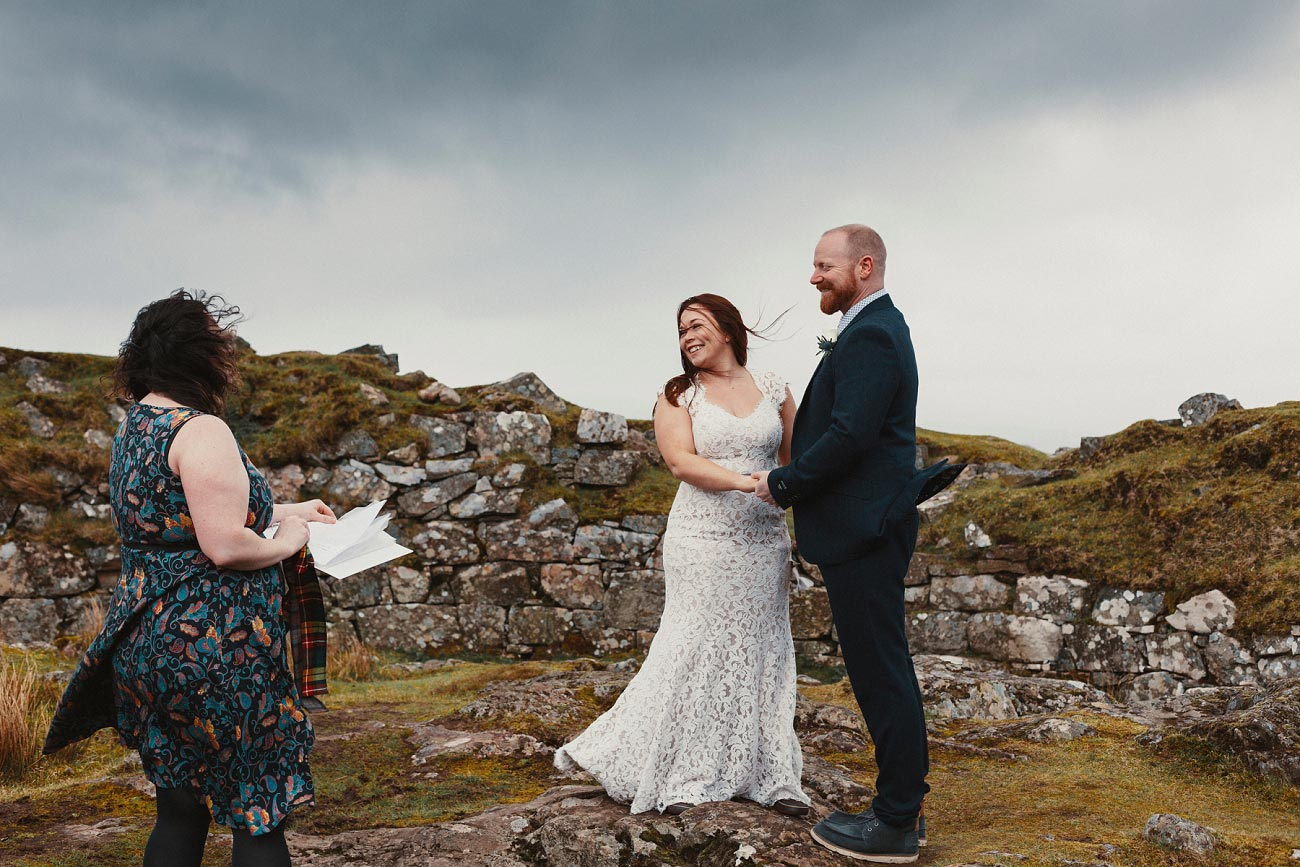 elopement wedding photographer isle of skye scottish highlands scotland 0015