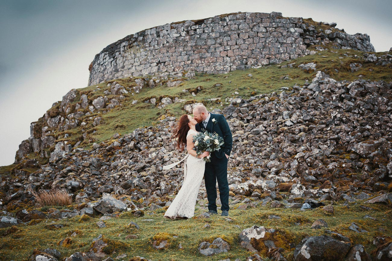 elopement wedding photographer isle of skye scottish highlands scotland 0033
