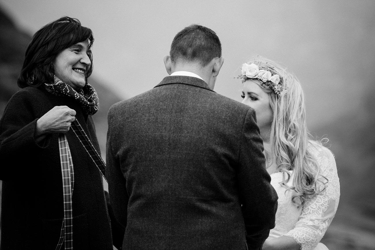 isle of skye wedding loch coruisk small outdoor wedding photography scotland scottish highlands photographer 0031