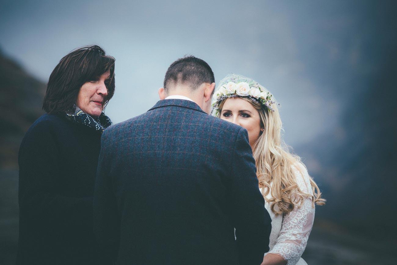 isle of skye wedding loch coruisk small outdoor wedding photography scotland scottish highlands photographer 0032