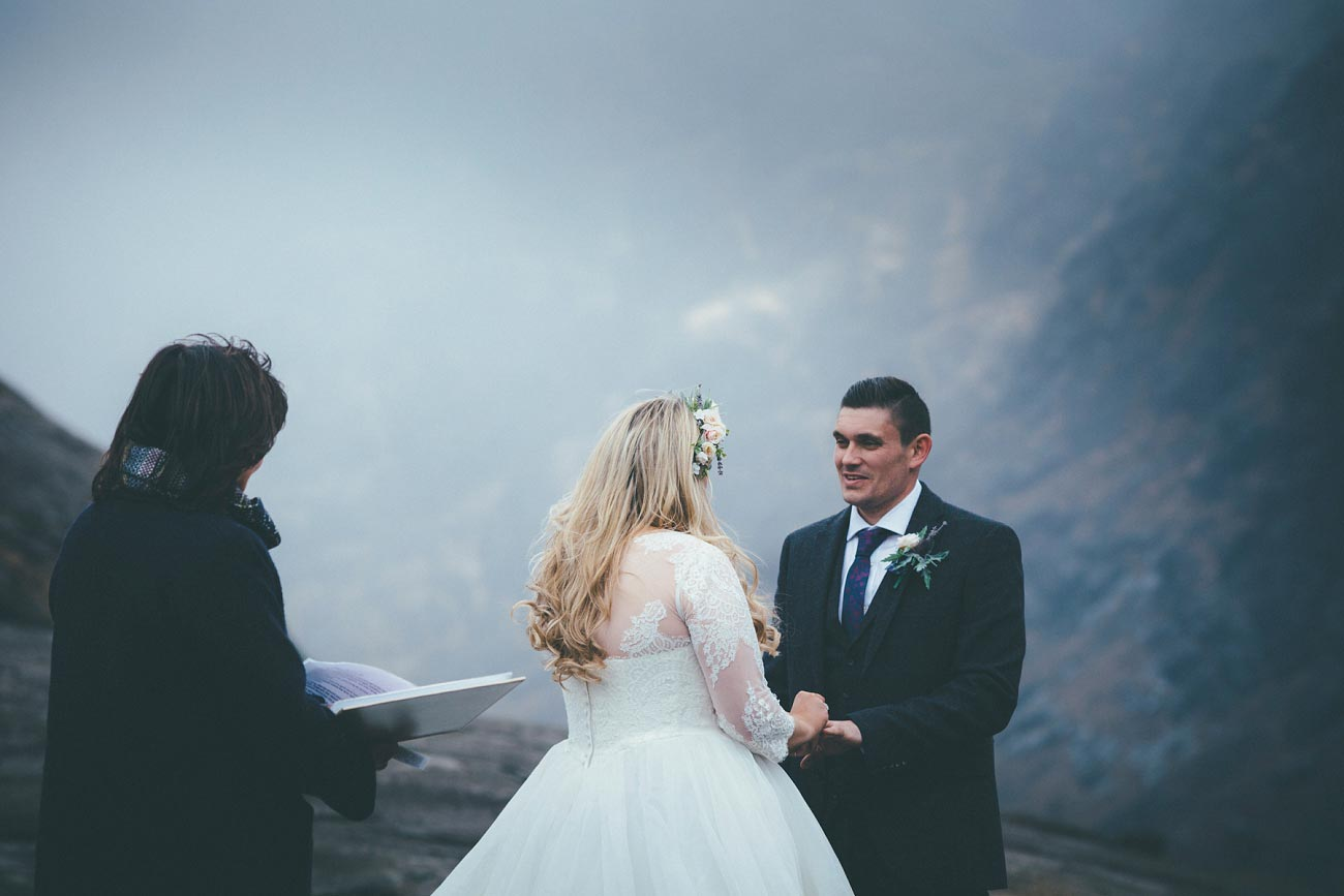 isle of skye wedding loch coruisk small outdoor wedding photography scotland scottish highlands photographer 0037