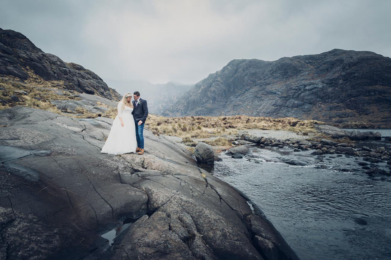 isle of skye wedding loch coruisk small outdoor wedding photography scotland scottish highlands photographer 0048