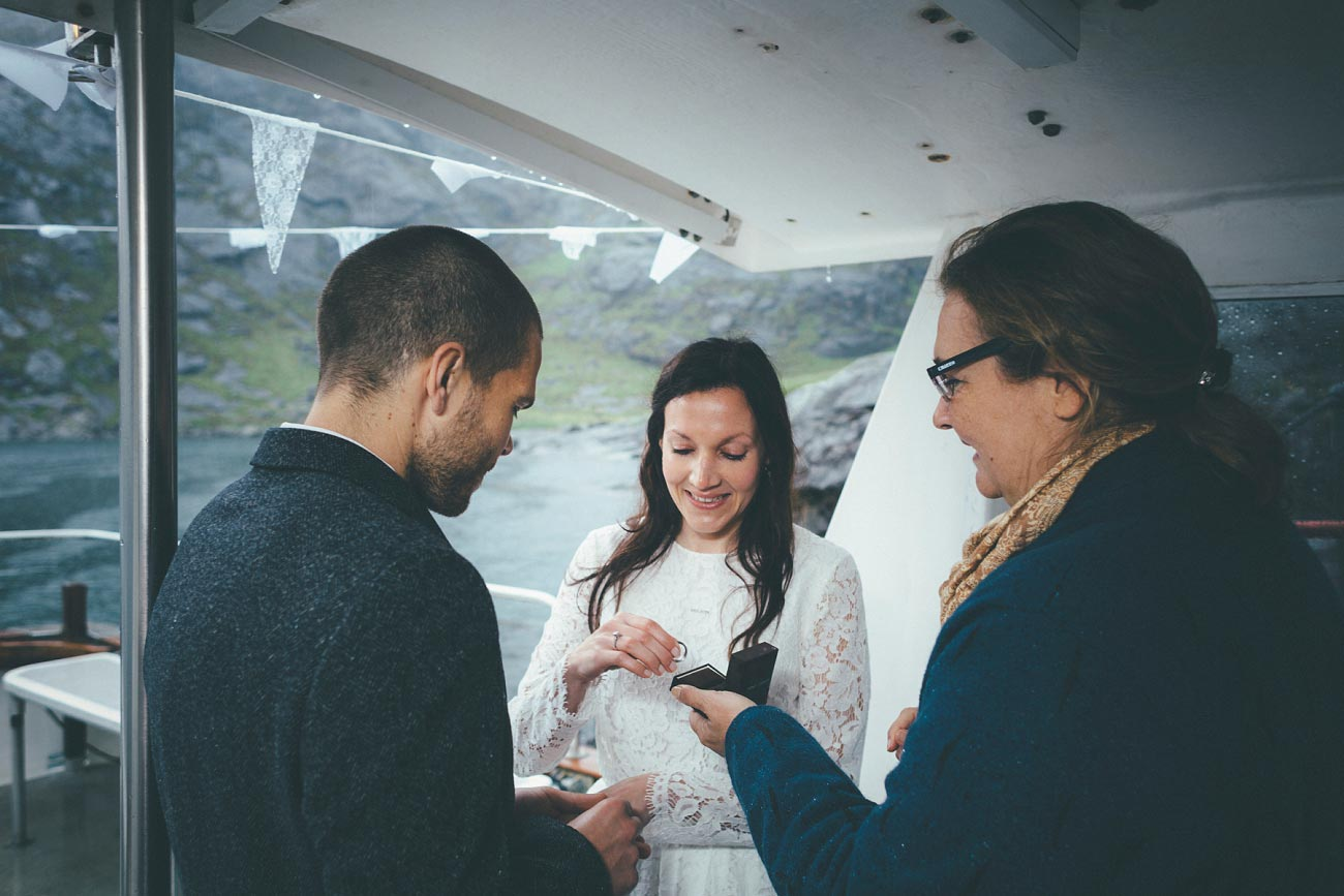 isle of skye wedding photography elopement loch coruisk humanist outdoor weddings scottish highlands 0032