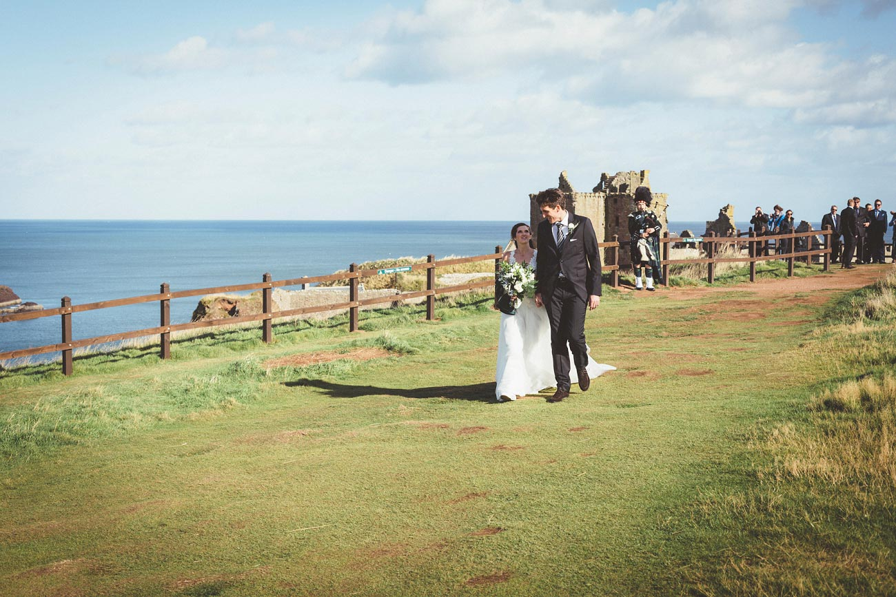 wedding photographer aberdeen scotland raemoir house dunnottar castle 0042