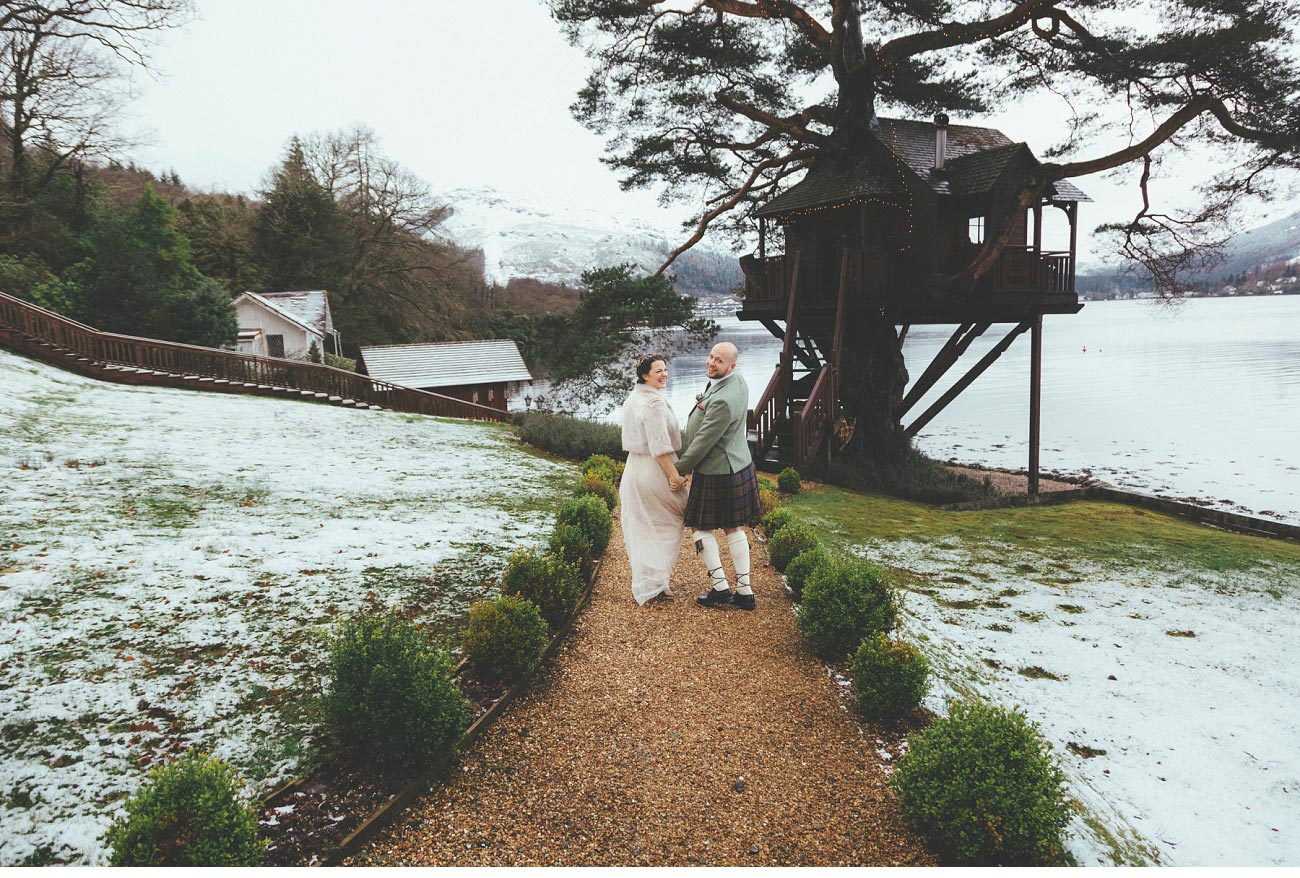 wedding photographer lodge on loch goil elopement outdoor treehouse 0024