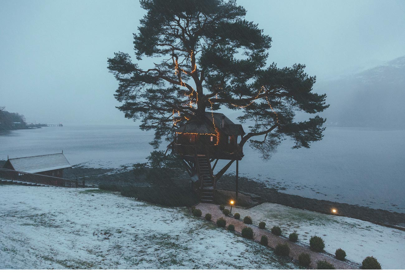 wedding photographer lodge on loch goil elopement outdoor treehouse 0054