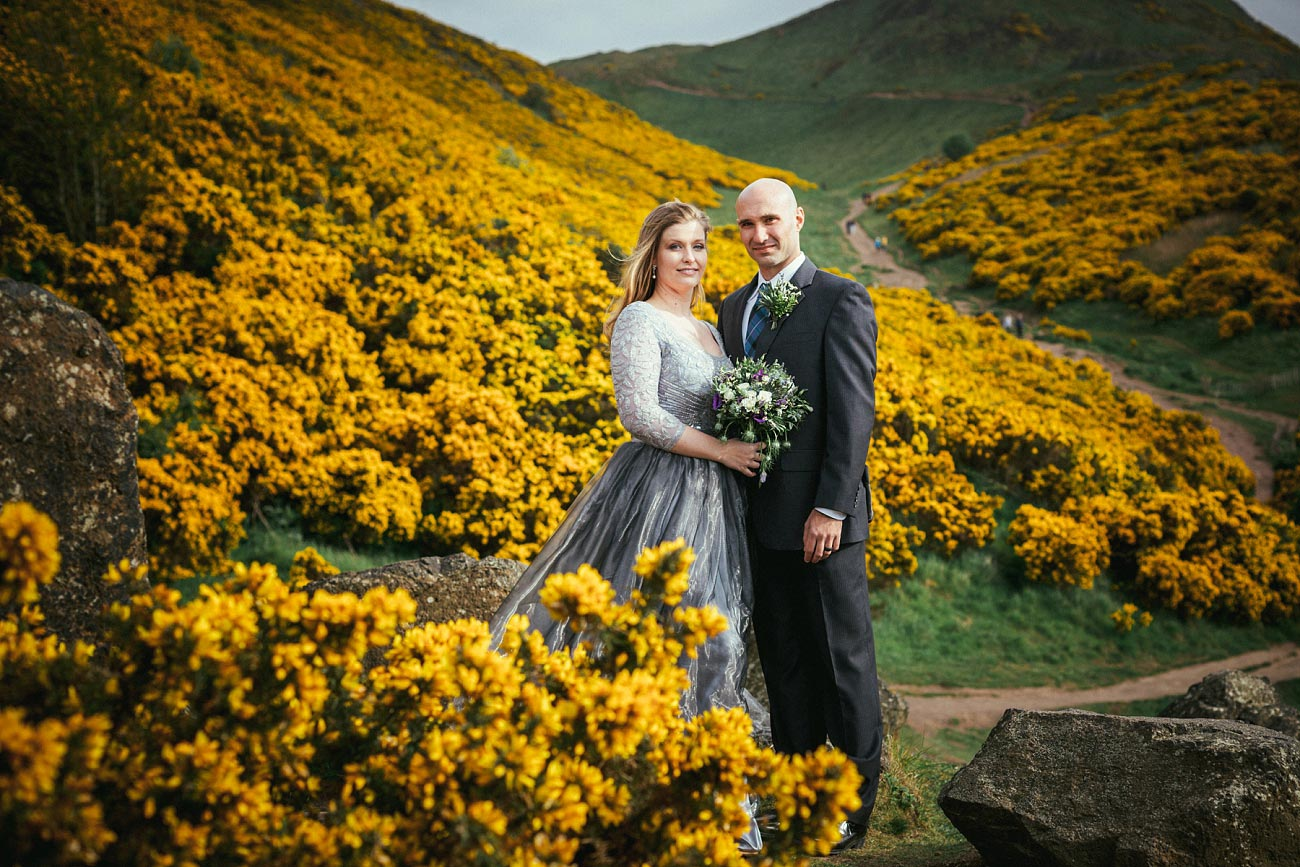 wedding photography edinburgh st anthonys chapel ruins 0024