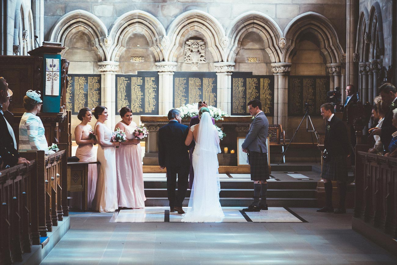 wedding photography glasgow university chapel oran mor reportage 17