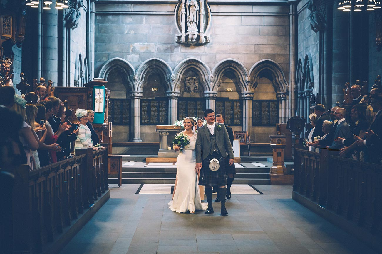 wedding photography glasgow university chapel oran mor reportage 23