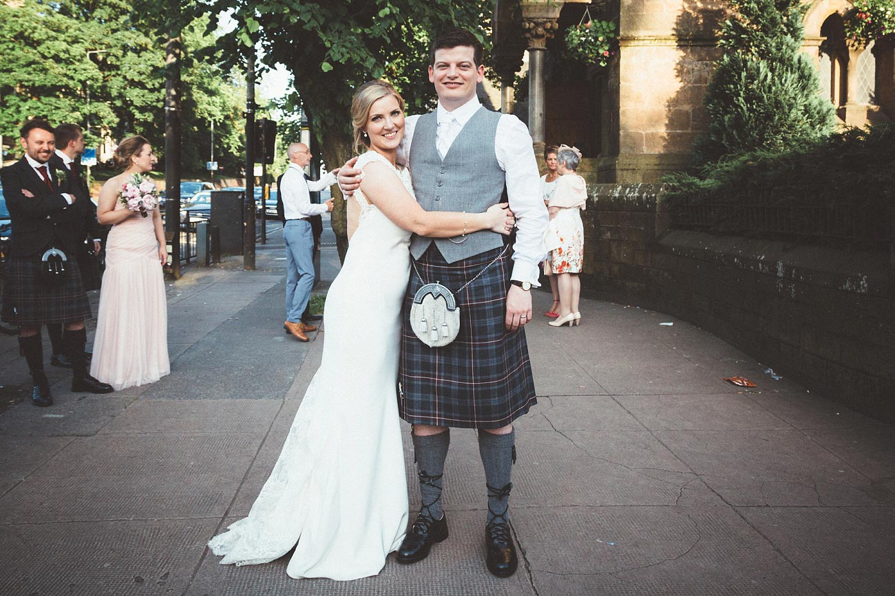 wedding photography glasgow university chapel oran mor reportage 48