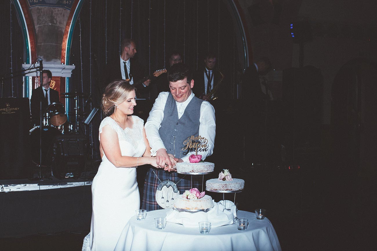 wedding photography glasgow university chapel oran mor reportage 53