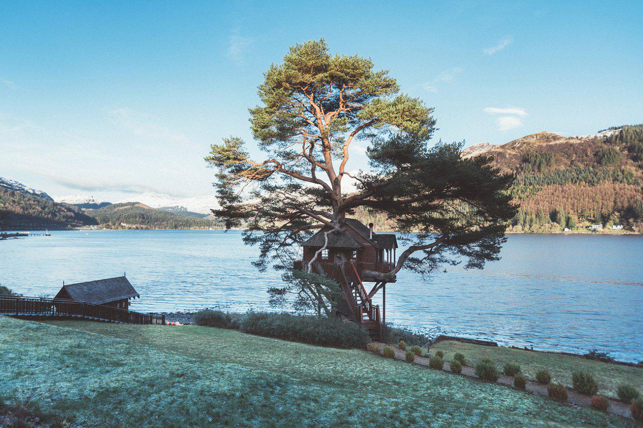 relaxed lodge on loch goil elopement wedding winter scottish highlands 0019