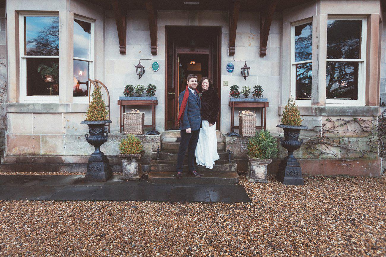 relaxed lodge on loch goil elopement wedding winter scottish highlands 0023