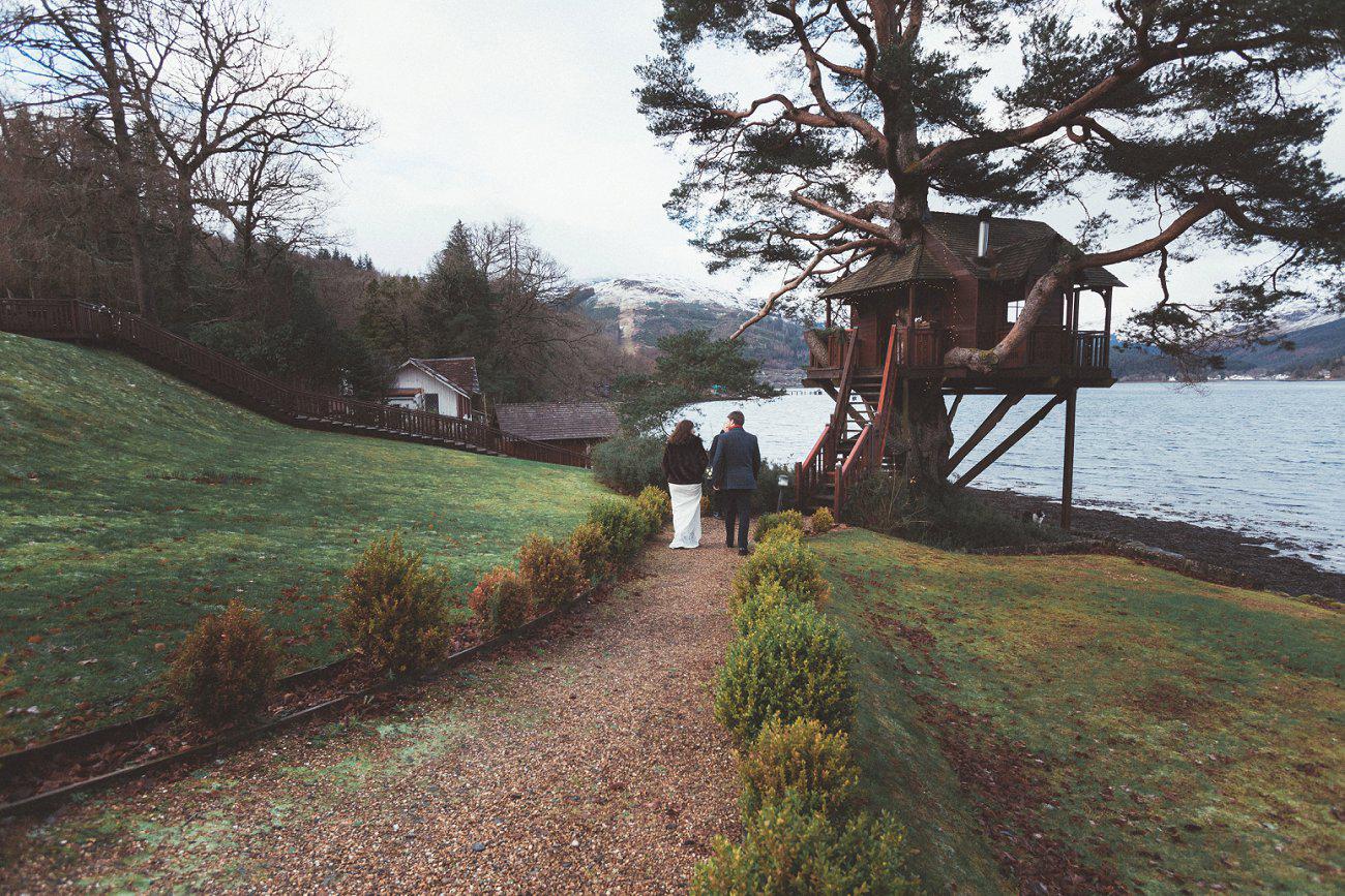 relaxed lodge on loch goil elopement wedding winter scottish highlands 0025