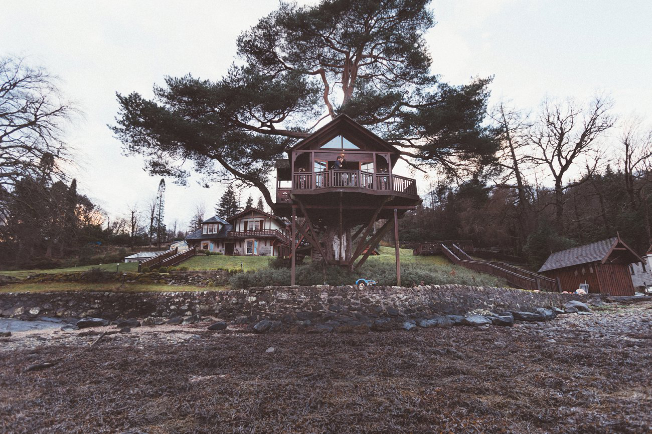 relaxed lodge on loch goil elopement wedding winter scottish highlands 0035