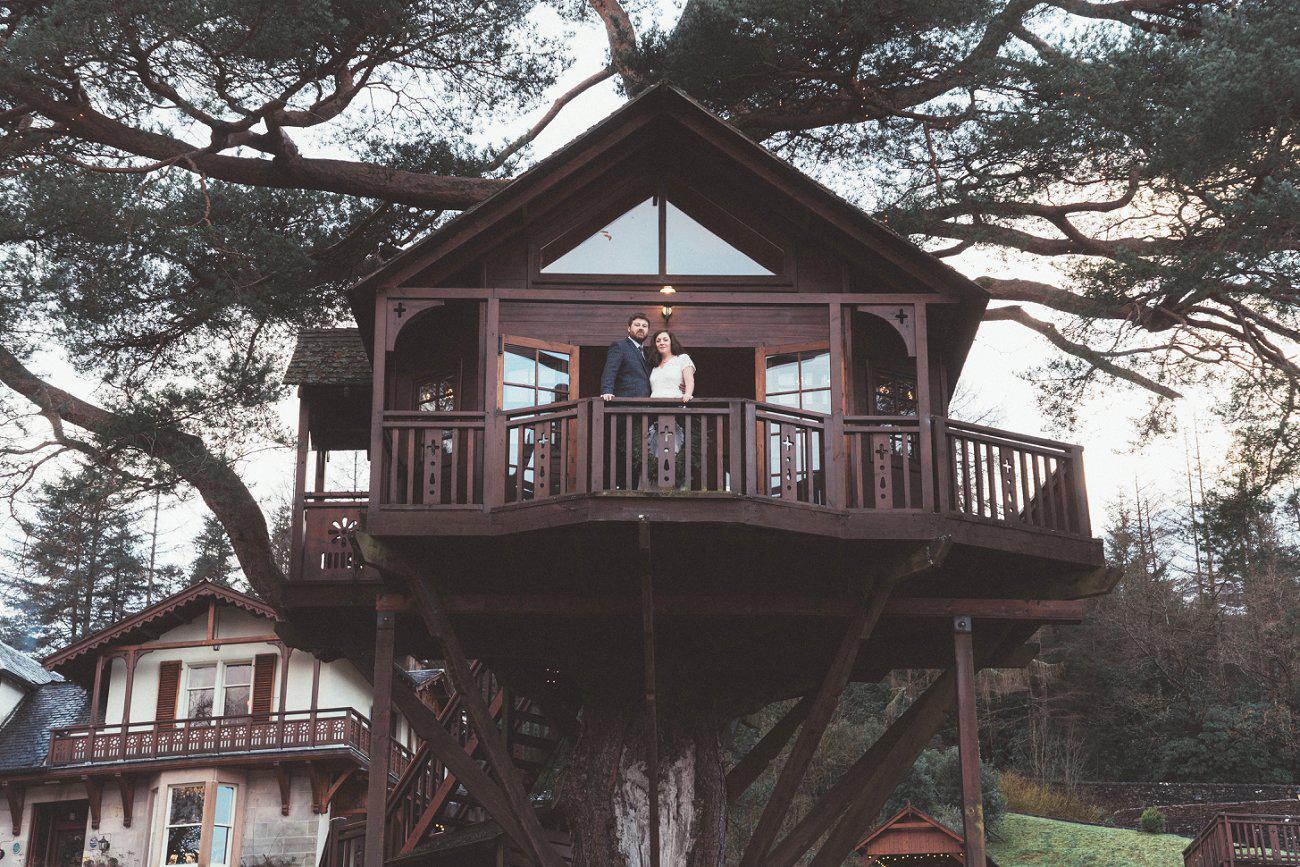 relaxed lodge on loch goil elopement wedding winter scottish highlands 0036