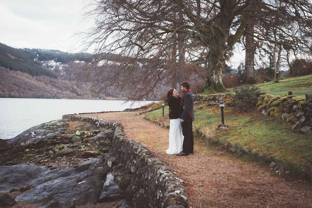 relaxed lodge on loch goil elopement wedding winter scottish highlands 0038