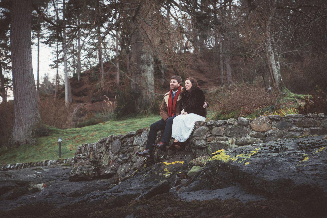 relaxed lodge on loch goil elopement wedding winter scottish highlands 0041