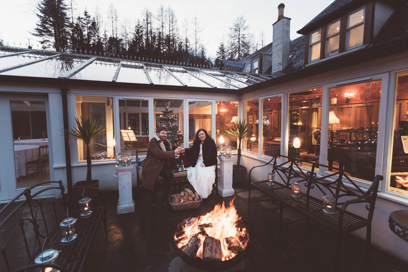 relaxed lodge on loch goil elopement wedding winter scottish highlands 0047
