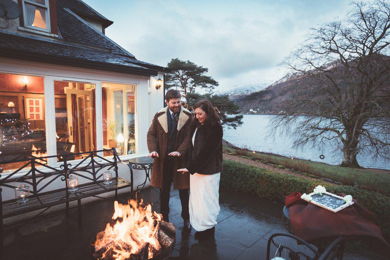 relaxed lodge on loch goil elopement wedding winter scottish highlands 0048